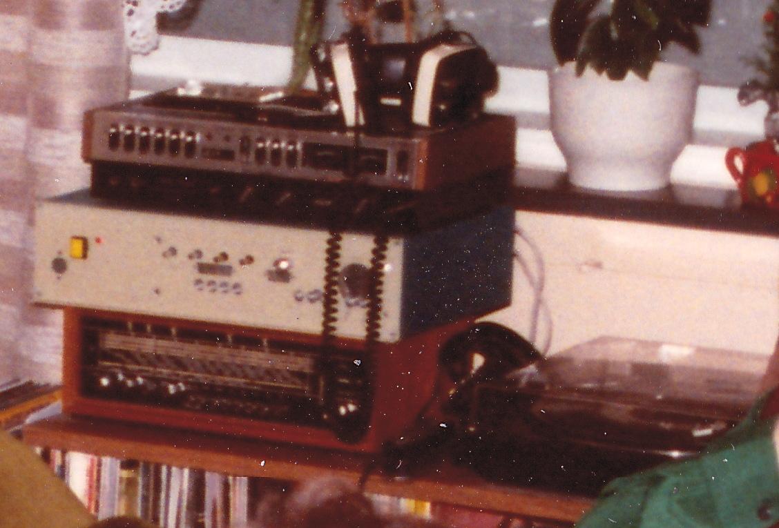 Radio1200-1a.jpg